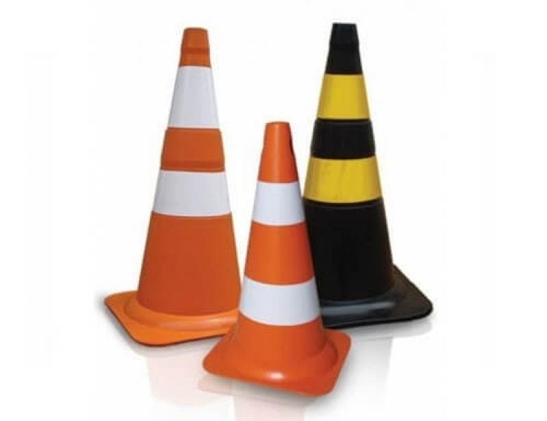 Comprar Cone Sinalização com Corrente Itatiba - Cone Sinalizador de Trânsito