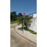 placa de sinalização de trânsito de rodovia Jardim Bandeirantes
