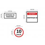 placas de sinalização de rodovias que indicam velocidade Parque dos Eucaliptos
