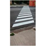 sinalizações viárias faixa de pedestre Vila Lucy